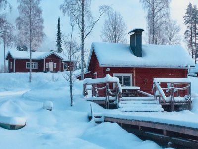 Talvella voit tulla hiihtämään, lumikenkäilemään tai vaikka pilkille!
