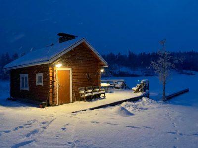 Rantasaunan tunnelmaa talvi-iltana